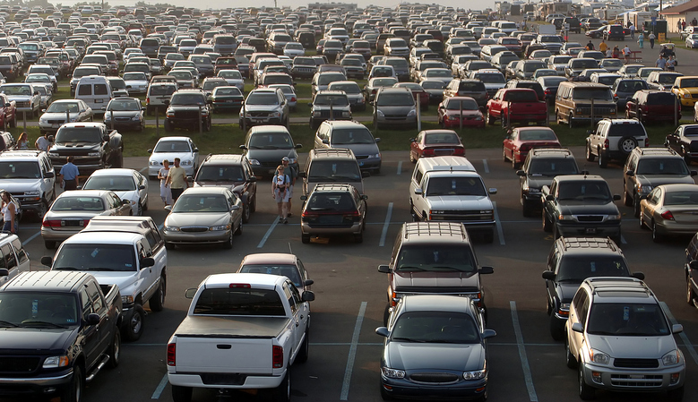 Top Tips for Driving and Parking on Black Friday