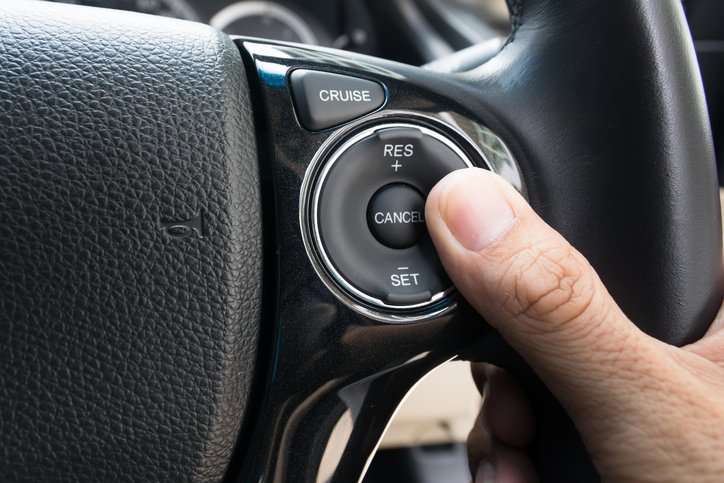 7 Specific Things You Need to Know Well When Using Cruise Control